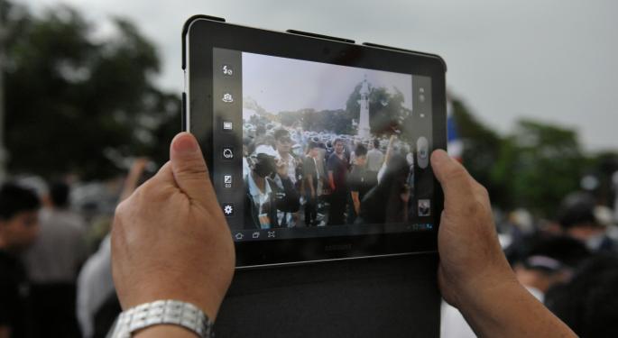 Apple Rumor Mill Strikes Back, Promises Large iPad In 2014