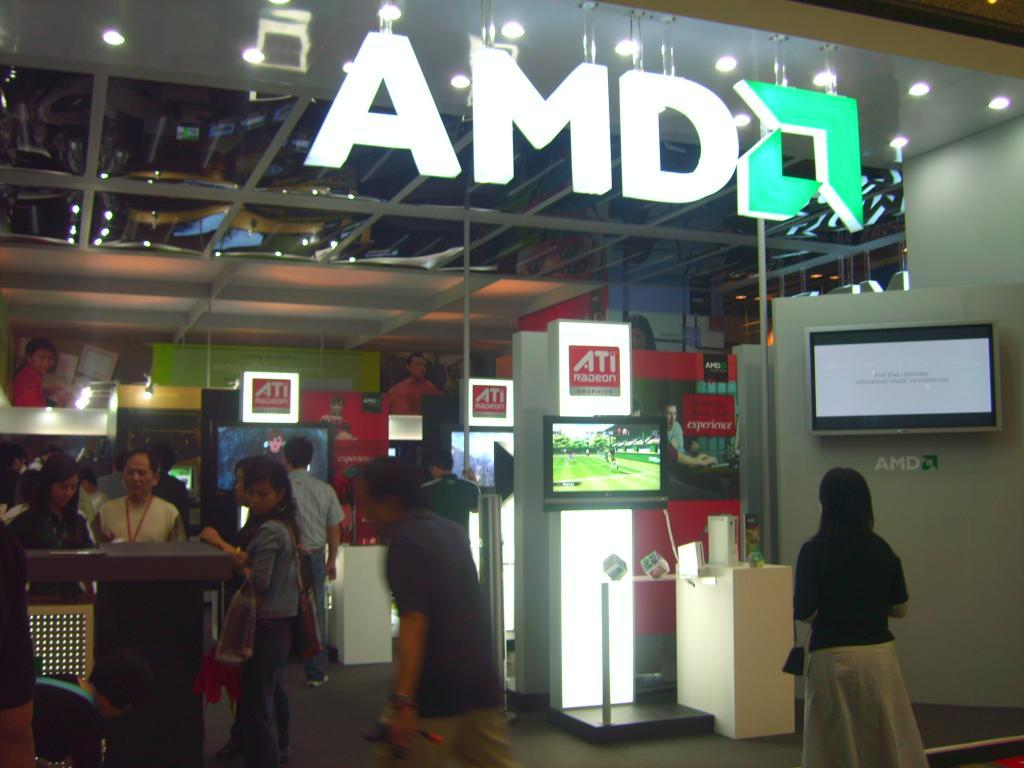 Advanced Micro Devices, Inc. (NASDAQ:AMD) Stock Rating Lowered by Barclays PLC