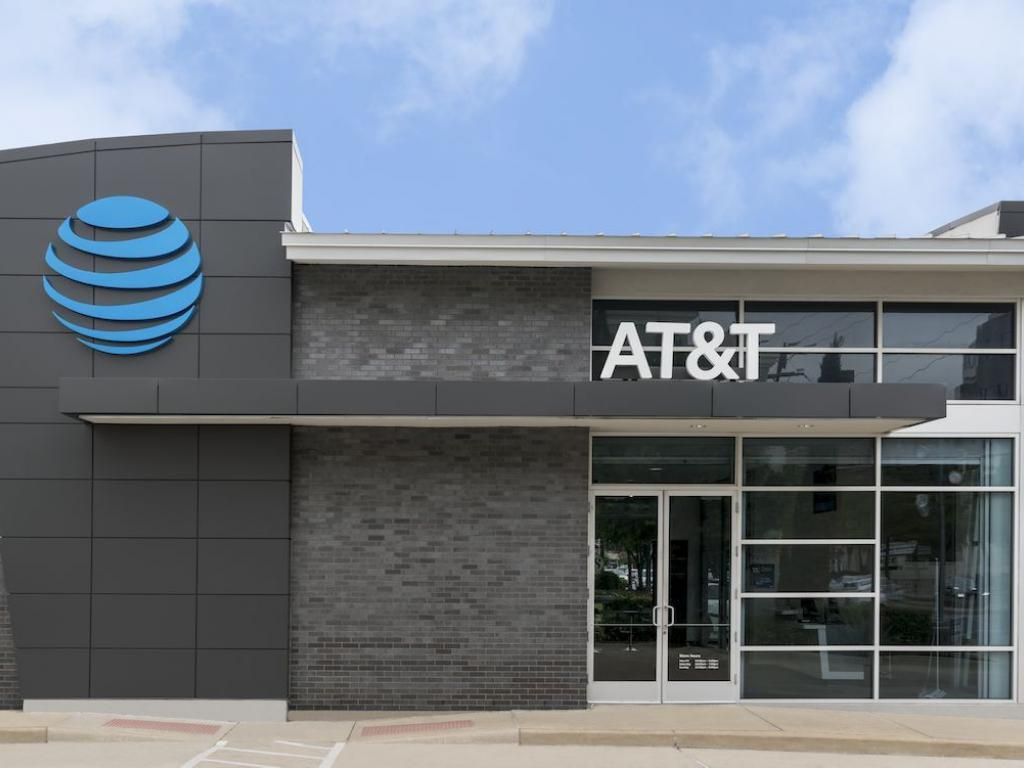 US gov't argues that AT&T-Time Warner deal would hurt consumers
