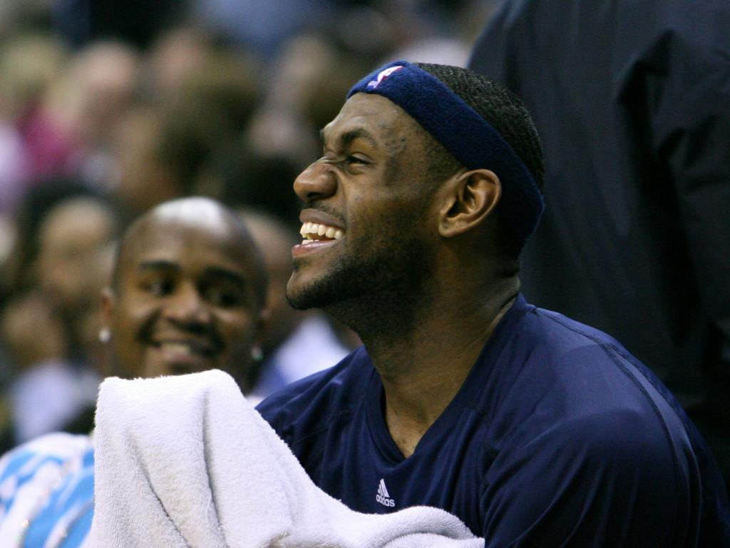 Lebron James Rookie Card Fetches Record Price At Auction