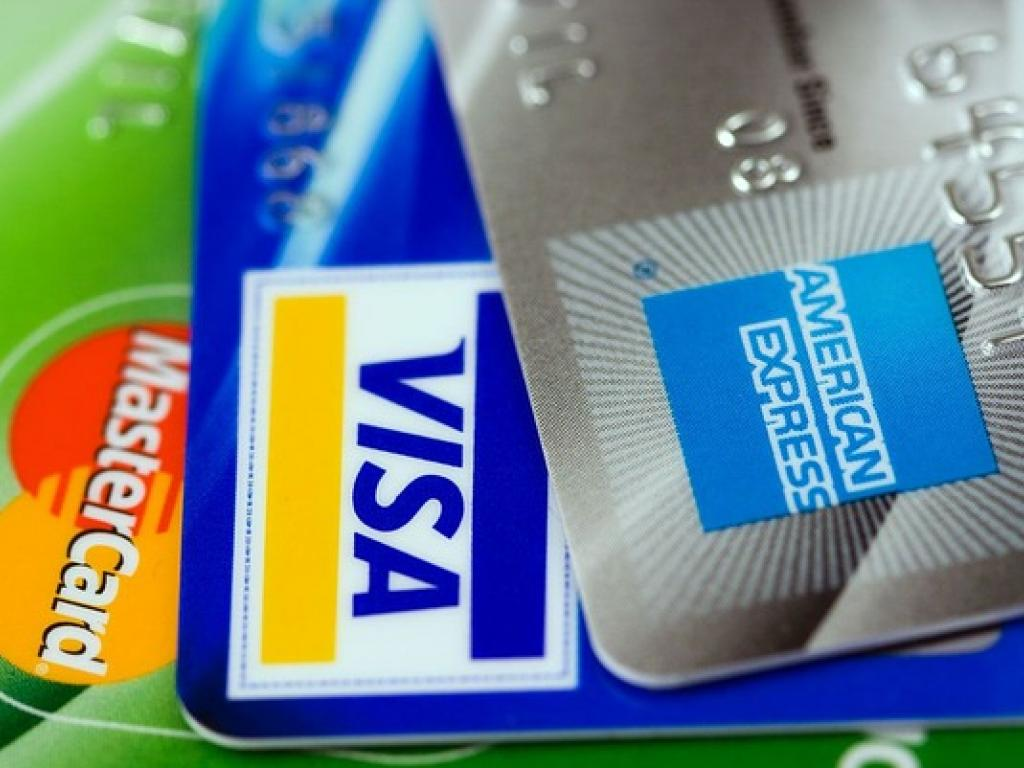 When Choosing Credit Cards Look Closely At The Fine Print
