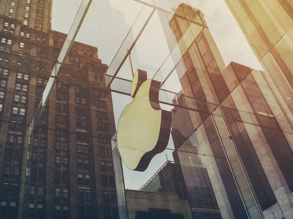 Institutional Investor Sentiment About Apple Inc (NASDAQ:AAPL) Increased