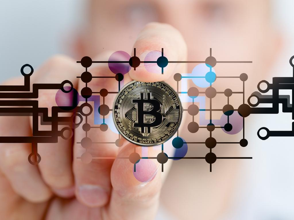 Square cash users can buy sell bitcoin nysesq benzinga do you use square cash you might be able to buy and sell bitcoin ccuart Choice Image