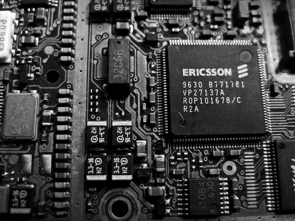 Telefonaktiebolaget LM Ericsson (ERIC) Sets 1-Year High