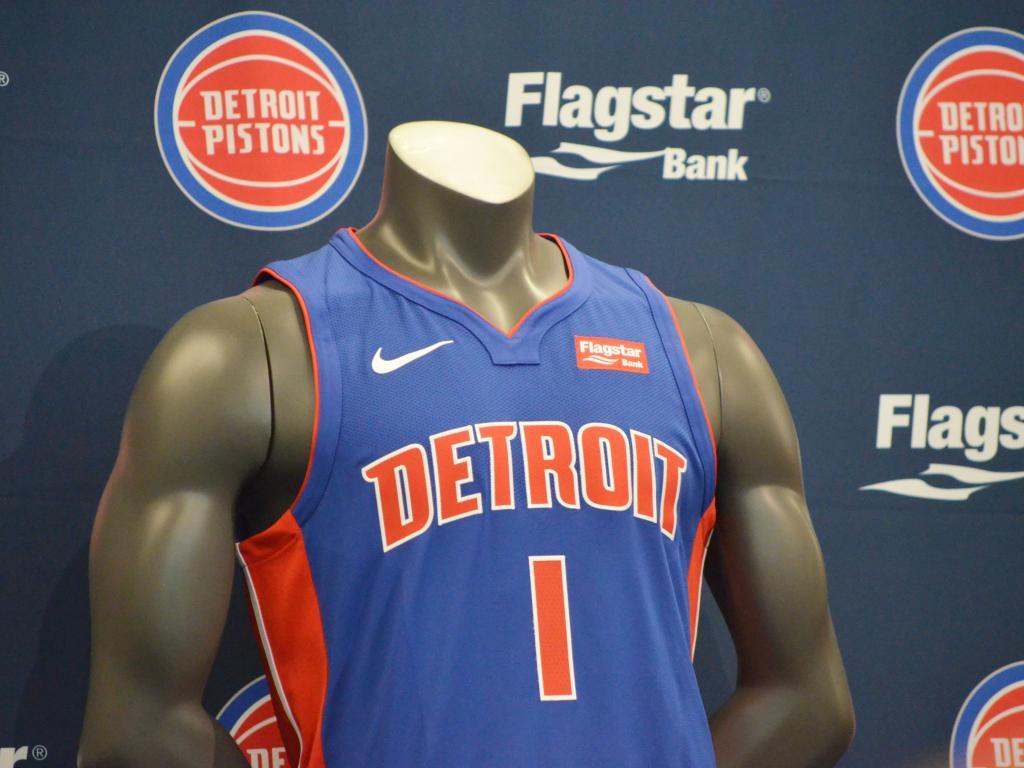 Detroit Pistons 90b921f70