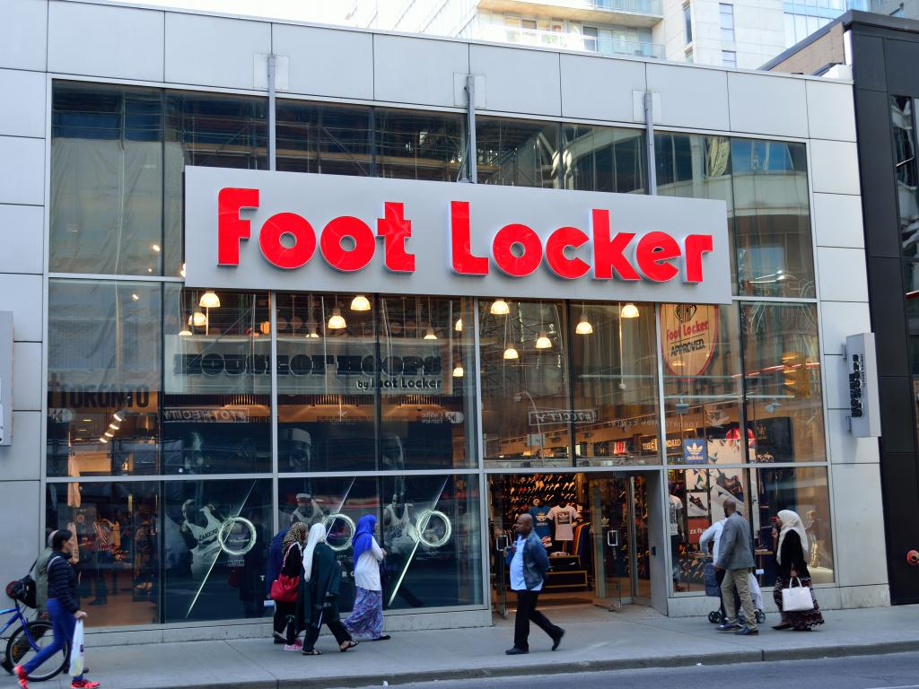 Analysis Shows Foot Locker Nyse Fl Can Stand Its Ground