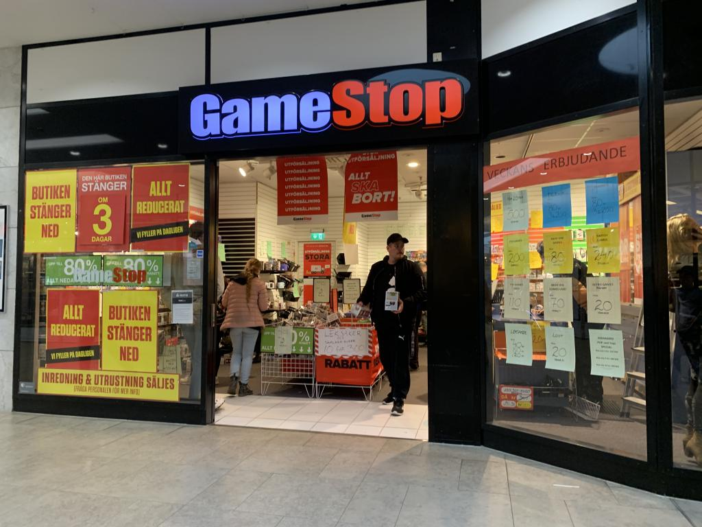 Broker's Roundup on Gamestop Corp (GME)