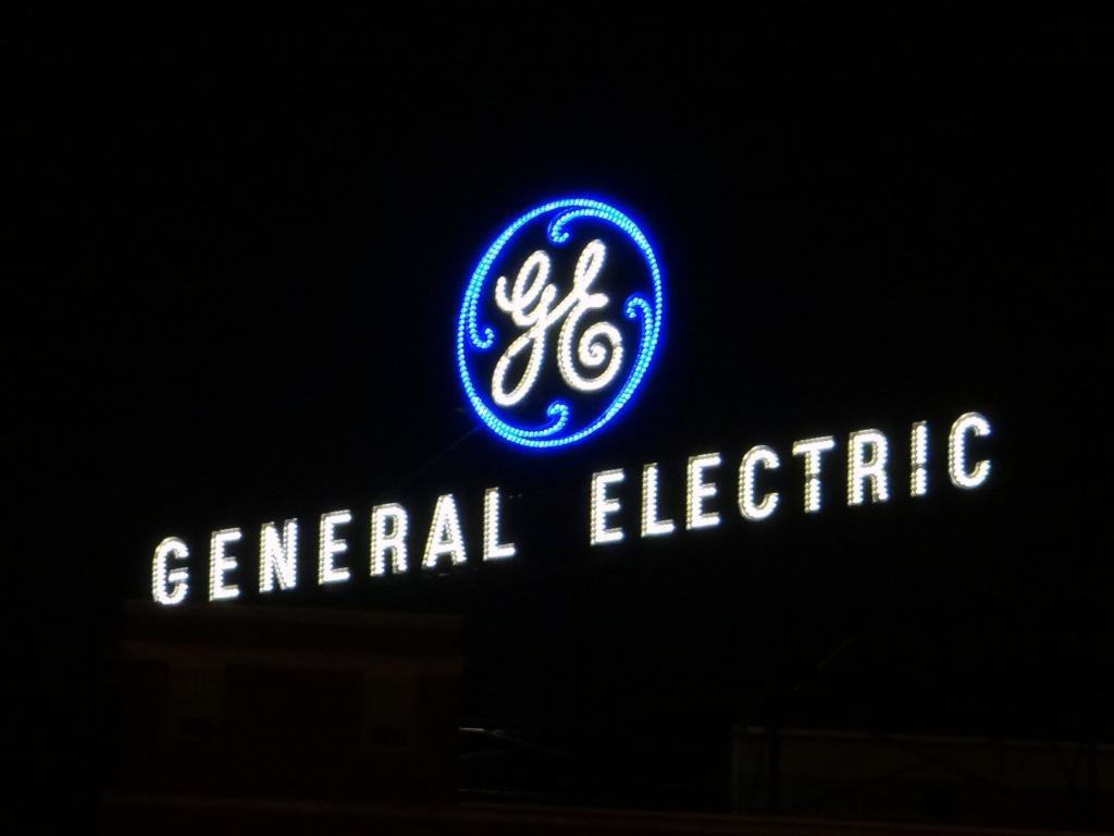 GE -6.3% as Tusa returns Underweight rating
