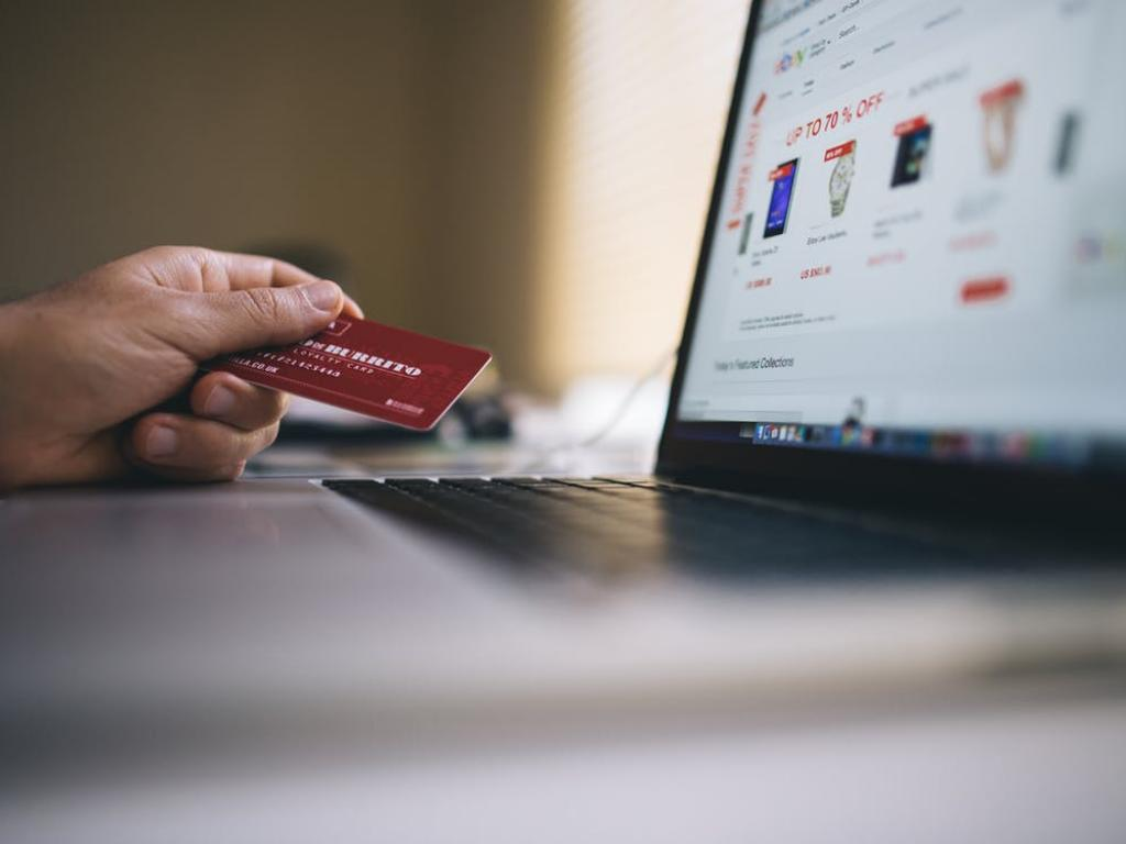 American express company nyseaxp discover financial services how small businesses can avoid the major risks of credit card transactions colourmoves