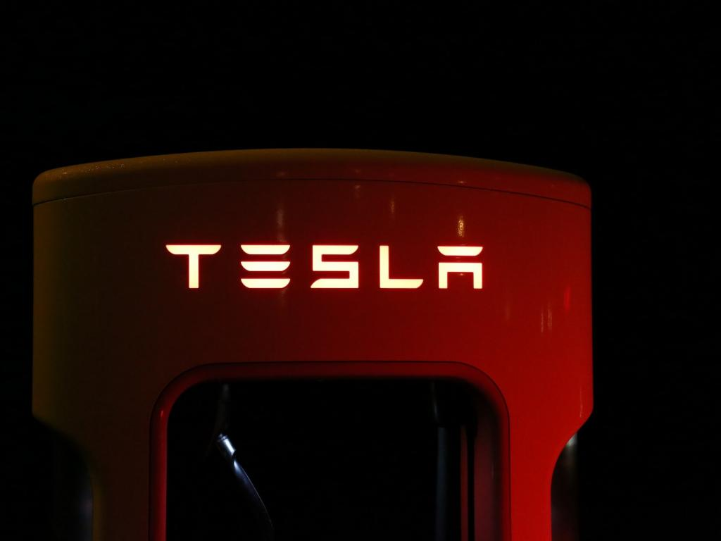 Tesla to Cut 9% of Workers Across Company