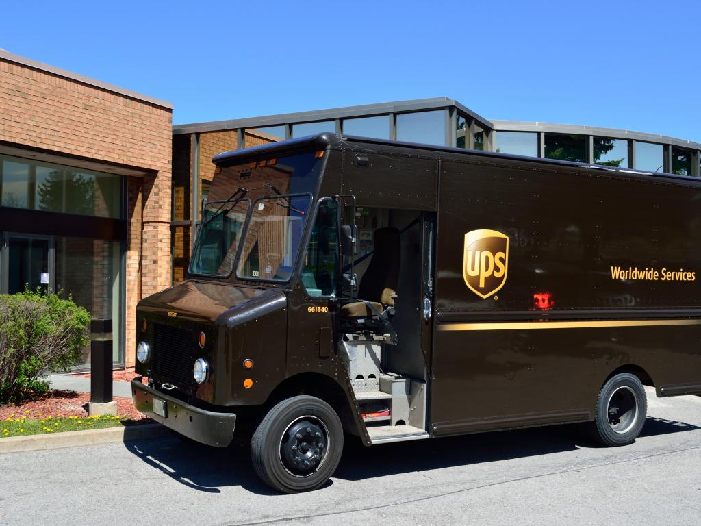 United Parcel Service (UPS) SVP Sells $170130.00 in Stock