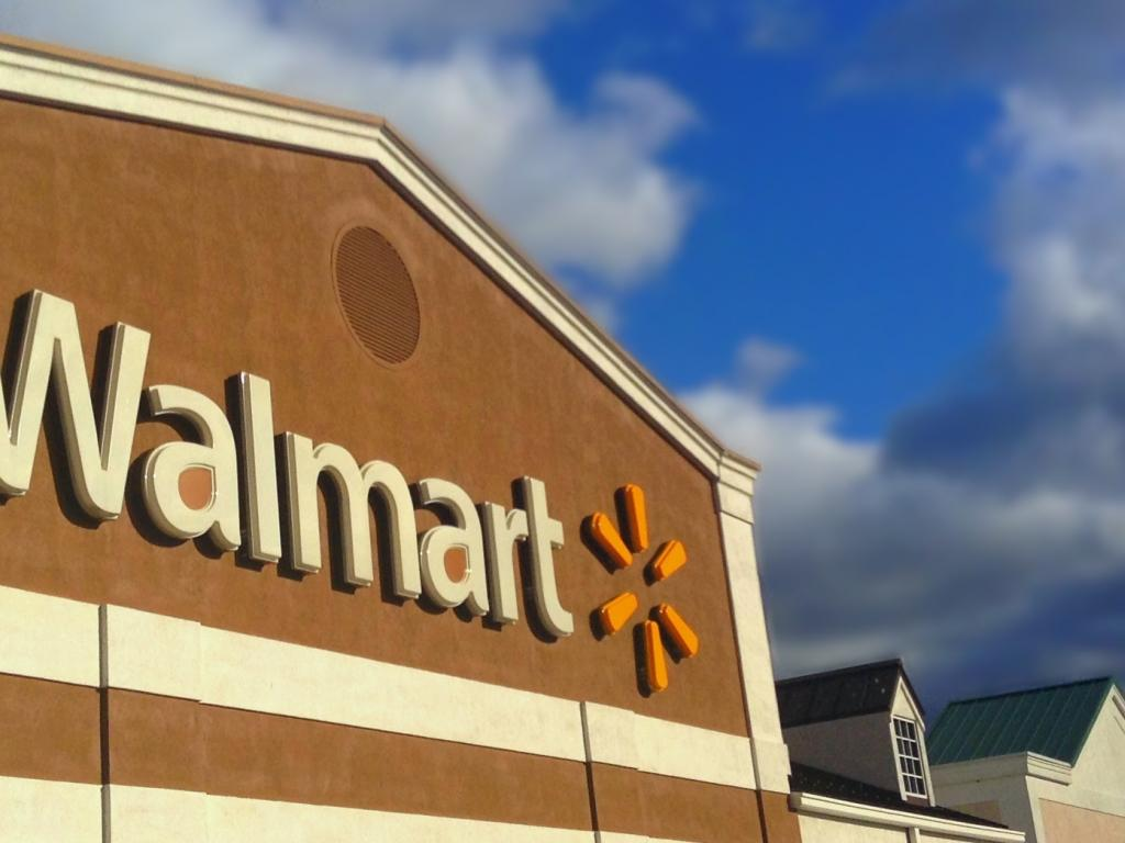 Wal-Mart's comparable sales miss estimates