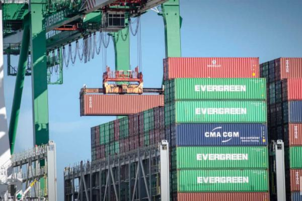 Ocean Carriers Asked To 'Exercise Restraint' On Container Charges