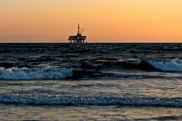 Analyst Sees Lower Crude Oil Prices In April