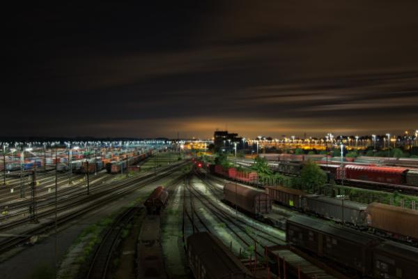 Intermodal Rail Outperforms Trucking In October