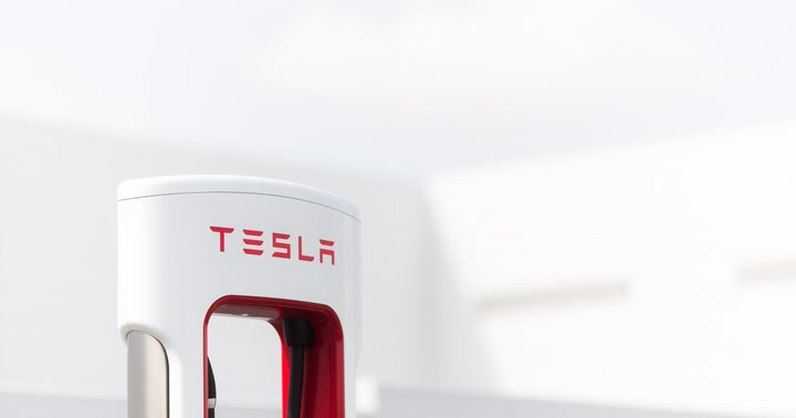 Tesla Talk Of The Town For WallStreetBets As Elon Musk Company Posts Record Profit; Alibaba, Apple, AMD, AMC Other Top Trends