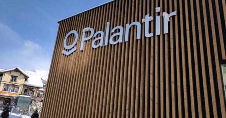 Palantir Prints Possible Reversal Pattern: A Technical Analysis