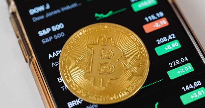 ARK Invest In Partnership With 21Shares Join The List Of Companies Filing  For Bitcoin ETF Despite SEC Reluctance | Benzinga