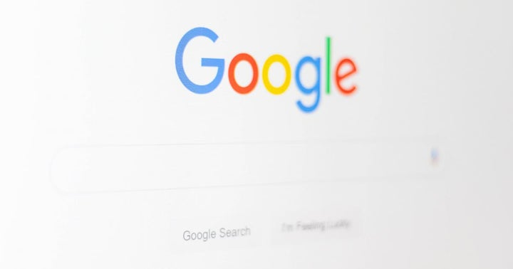 Google Resumes Allowing Ads Related To Bitcoin, Other Cryptos — With Plethora Of Restrictions