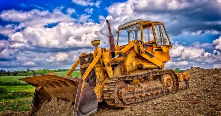 BofA Downgrades Caterpillar, Strengths Not Enough To Offset Energy Exposure