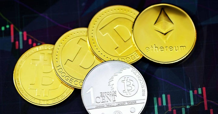 Bitcoin, Ethereum, Dogecoin Find Stability After Crash As Some Altcoins Manage To Stay In Green