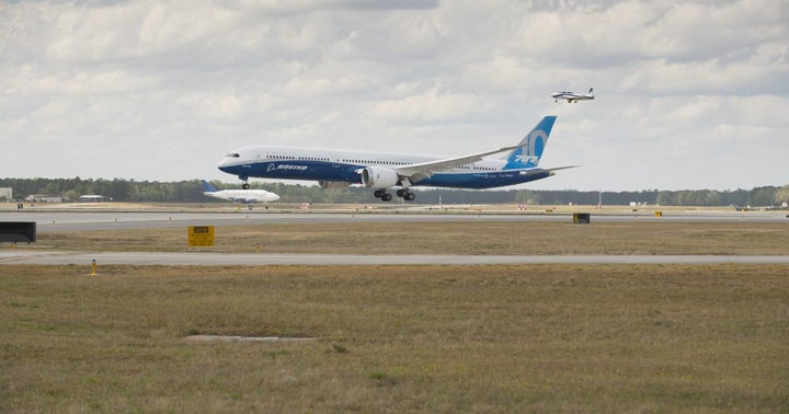 Why Boeing Is A Bad Trade, But A Good Investment