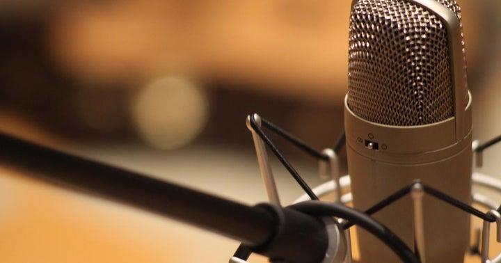 Benzinga CEO Talks Hedging Bets, Dividend Plays On PreMarket Prep