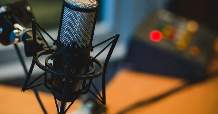 8 Best Crypto Podcasts to Listen to Right Now, Ranked
