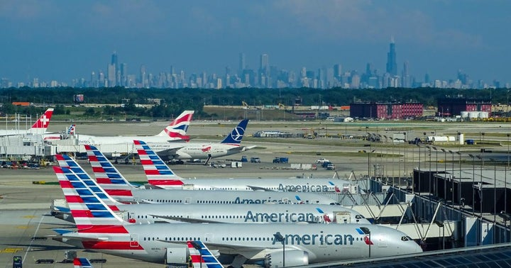 Benzinga Survey: Will American Airlines Stock Reach $30 By 2022?
