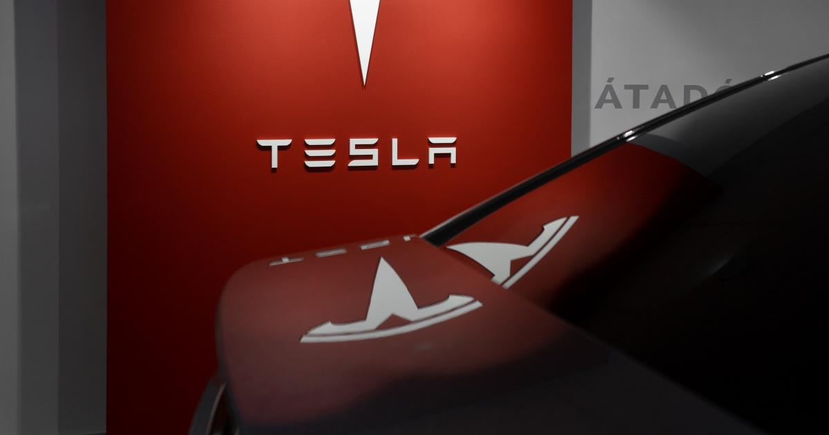 Tesla Begins Accepting Bitcoin Payments