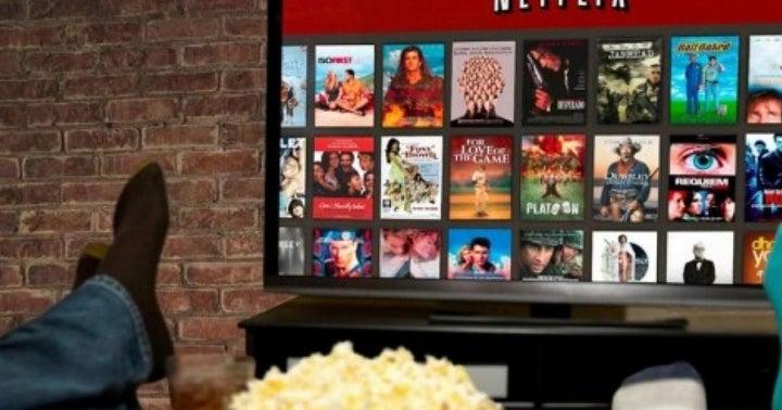 Benzinga's Bulls And Bears Of The Week: Apple, Boeing, Intel, Netflix, Tesla And More