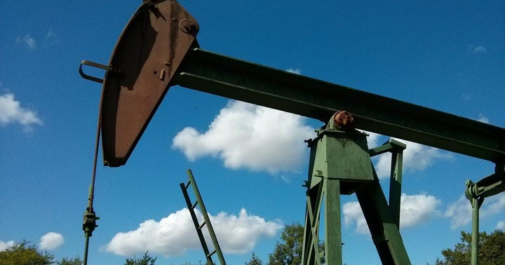 What 'World War Oil' Means For The Sector: Analyst Says US Shale Companies In Trouble