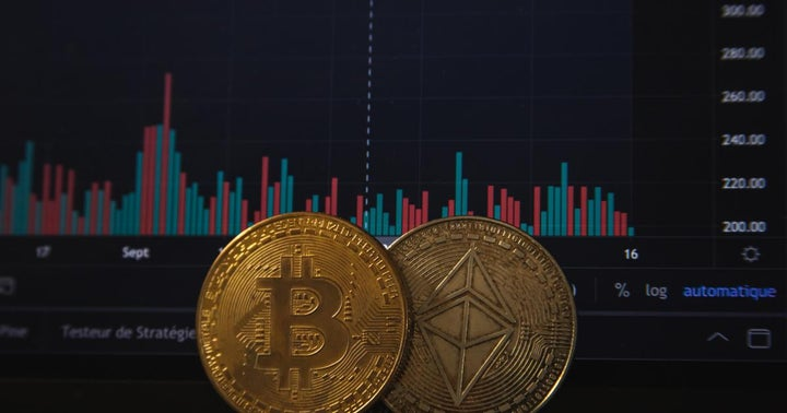 A Cryptocurrency Is Skyrocketing In Defiance Of Bitcoin-Led Selloff, Outperforming Dogecoin, Cardano