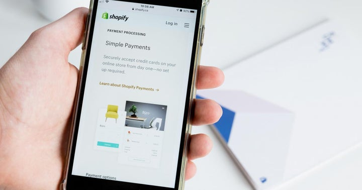 Cathie Wood Adds $33.8M Shares In Shopify, Sells More Square To Pile Up Coinbase