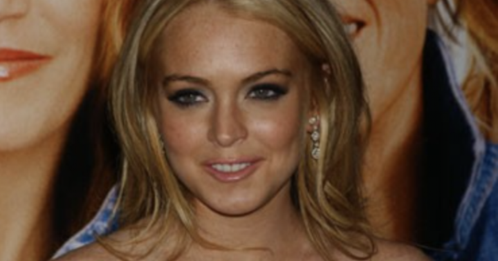 Lindsay Lohan Tweets In Support Of Bitcoin