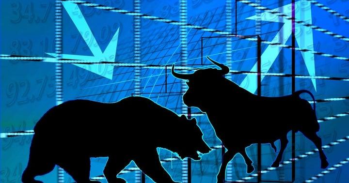 Benzinga's Bulls And Bears Of The Week: Apple, Amazon, Biogen, Bitcoin, Tesla And More