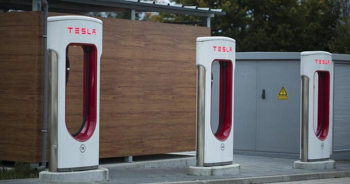 Option Traders Are Undecided On Tesla's Price Action, And So Is Tesla's Stock