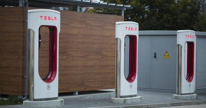 Nio's Stock Breaks Down: Will Tesla's Stock Follow?