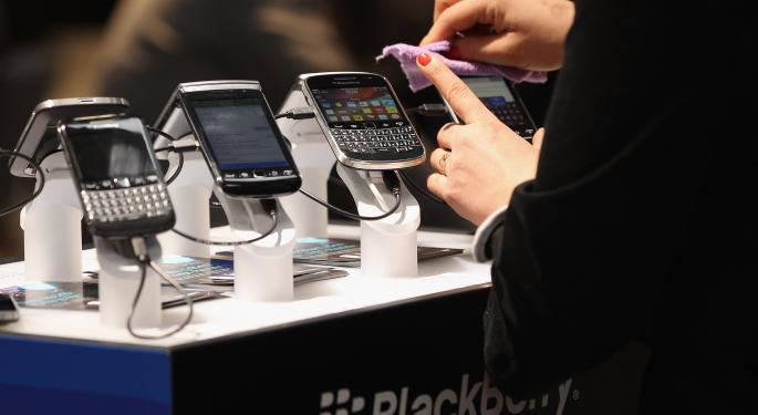 Blackberry Asks Customers To Not Give Up BBRY
