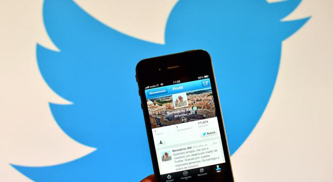 Twitter Revenue & EPS Expected To Beat, But Where Are The Catalysts?