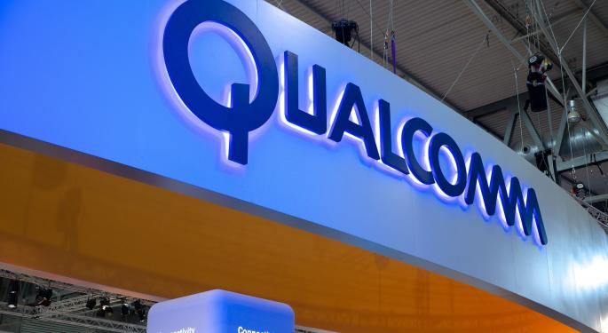 Qualcomm Surges After Settling Apple Royalty Dispute