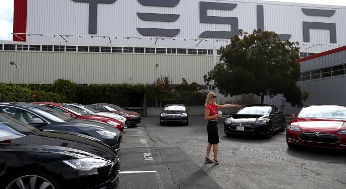 New Advice for Apple's Tim Cook: Buy Tesla