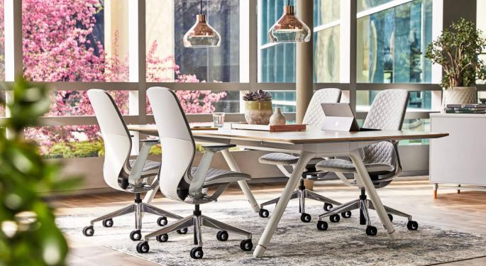 Raymond James: Steelcase A Strong Buy After Wednesday's 'Puzzling' Decline