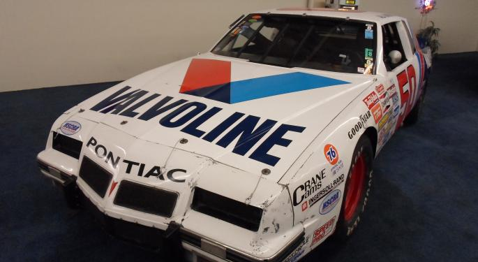 More Analysts Neutral On Valvoline As Shares Down From Post-IPO Highs