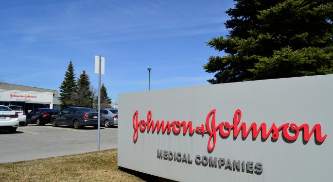 Johnson & Johnson Wins FDA Panel Backing For Nasal Spray Depression Drug; PDUFA Date Awaits