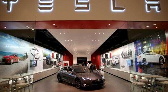 Why The Slump In Oil Prices Won't Impact Tesla's Sales
