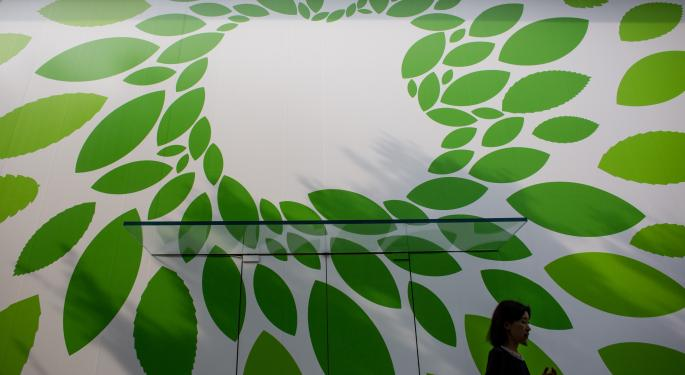 Anne-Marie Baiynd Dishes Apple Strategy, Says Stock Is 'Coiled'