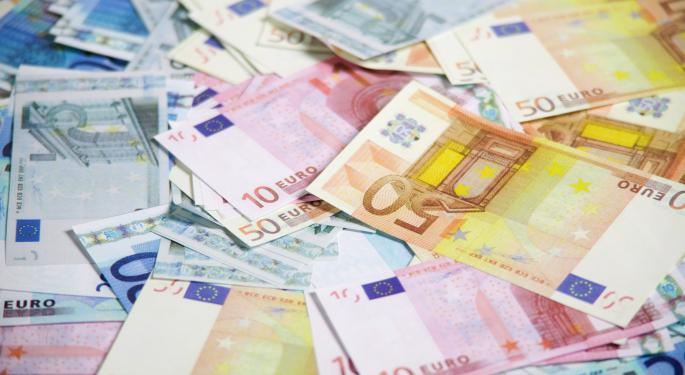 Euro Lags As Further Economic Sanctions On Russia Loom