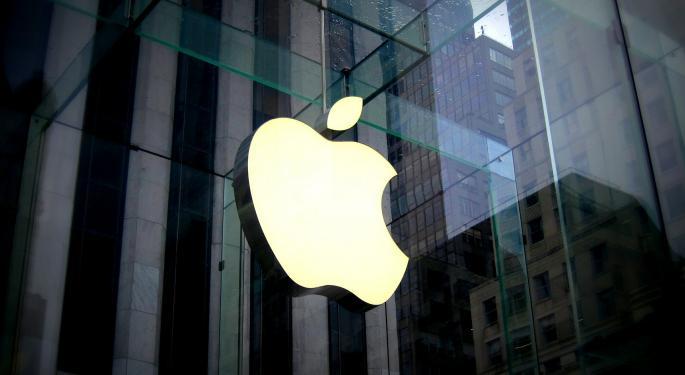 3 Near-Term Risks For Apple Bulls