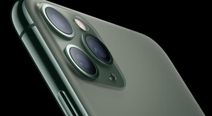 Return Of The iPhone: Sales Boost Apple, Keep Sell-Side Bullish
